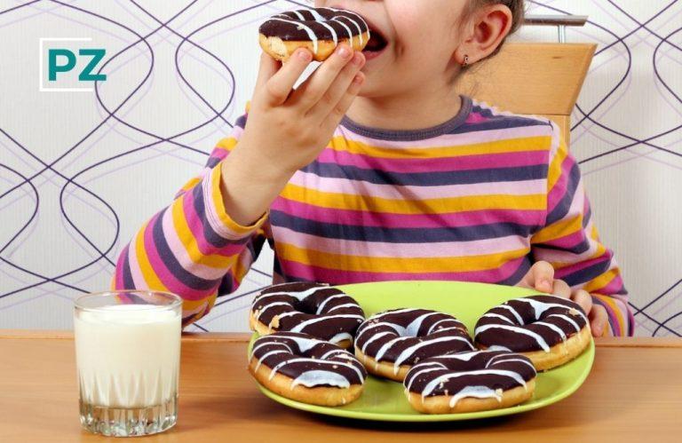 ¿Está bien mimar a los niños con comida insana?